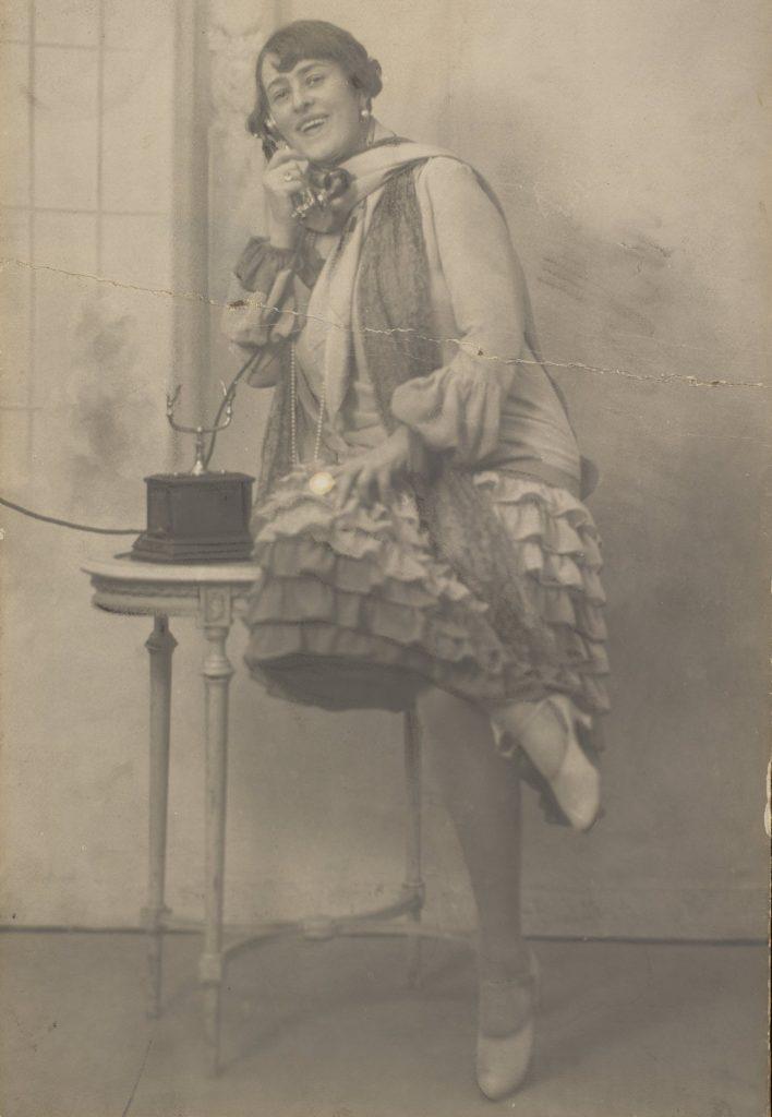 W latach 20. XX telefonów zaczęło szybko przybywać (domena publiczna).