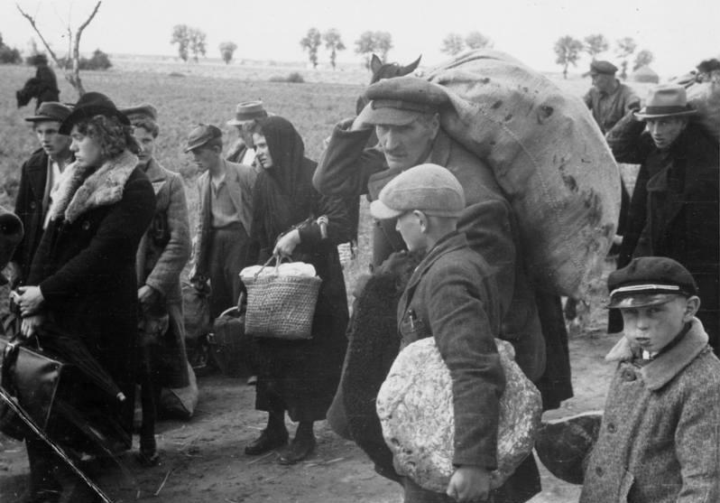 Niewielka liczba osób zapisanych do trzeciej kategorii volkslisty w Wielkopolsce nie może dziwić. Niemcy w latach 1939-1941 wypędzili z tego obszaru setki tysięcy Polaków (domena publiczna).