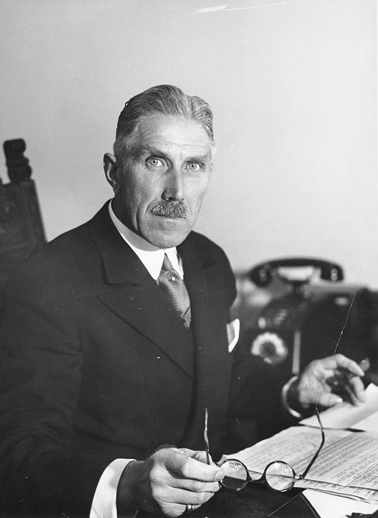Franz von Papen na zdjęciu z okresu gdy pełnił funcję wicekanclerza III Rzeszy (Bundesarchiv/CC-BY-SA 3.0).
