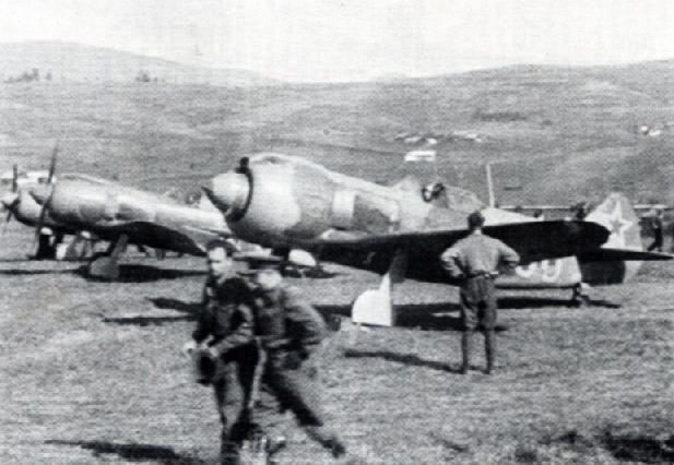 Myśliwce Ławoczkin Ła-5 na zdjęciu z 1943 roku (domena publiczna).