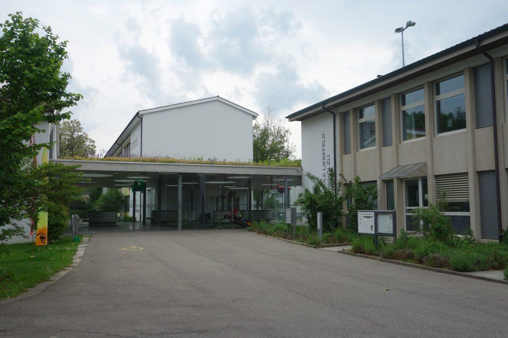 To do tej szwajcarskiej szkoły miał uczęszczać Kim Dzong Un (Sandstein/CC BY-SA 4.0).