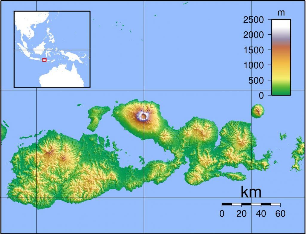 Wulkana Tambora znajduje się na wyspie Sumbawa (Sadalmelik/CC BY-SA 3.0).