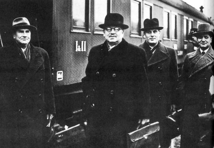 Fińska delegacja, która w październiku 1939 roku udała się na rozmowy do Moskwy (domena publiczna).