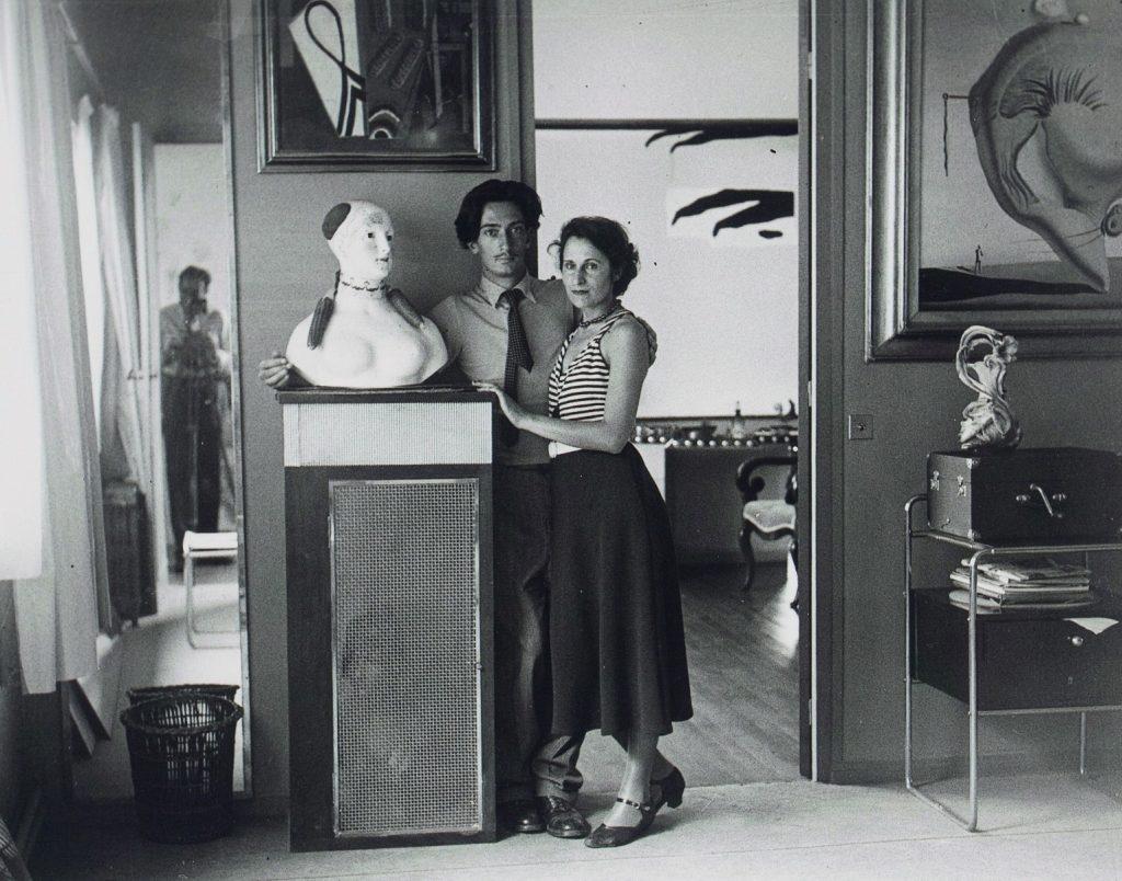 Gala i Salvador ich wspólnym domu. Zdjęcie z książki Kobiety z obrazów (materiały prasowe).