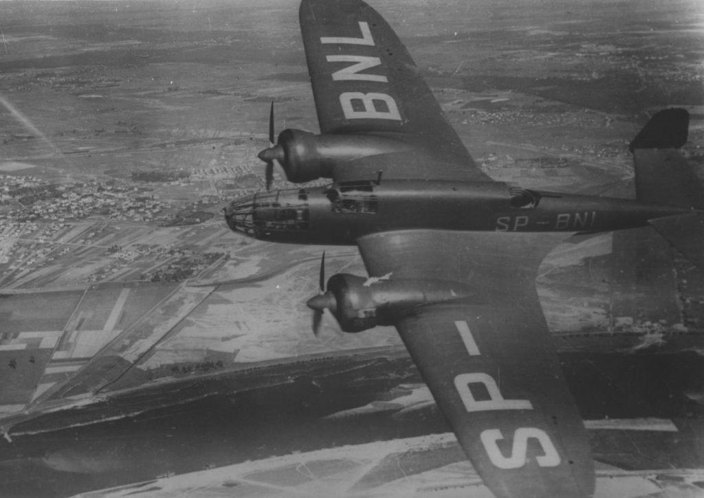 Bombowiec PZL-37 Łoś na zdjęciu z 1939 roku (domena publiczna).