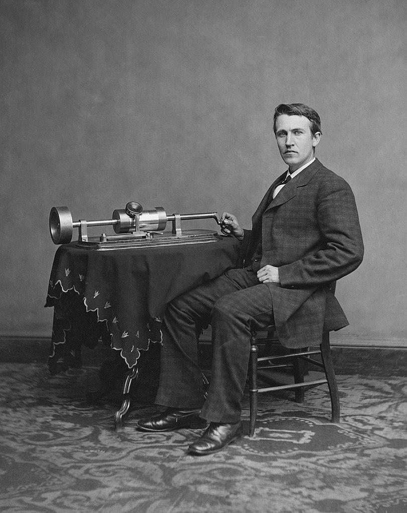 Pewnego razu Tesla niema wygadał się Edisonowi (tutaj na zdjęciu z 1878 roku) o swoim pomyśle (Levin C. Handy/domena publiczna).