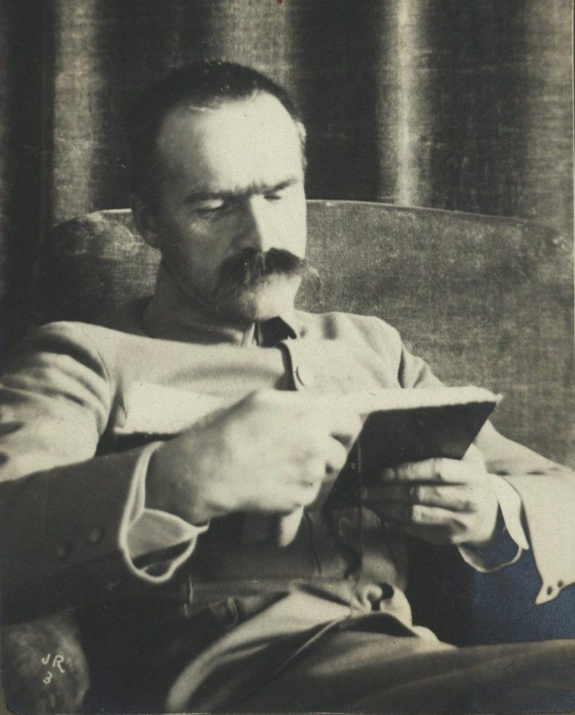 W 1917 roku Piłsudski doszedł do wniosku, że po klęsce Rosji to Niemcy są największym zagrożeniem dla Polaków (domena publiczna).