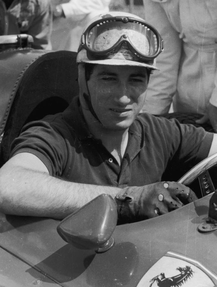 Alfonso Marquess za kierownicą Ferrari 860 Monza (domena publiczna).