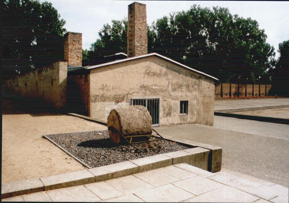 Budynek uruchomionego w 1943 roku w Ravensbrück krematorium (Norbert Radtke/CC BY-SA 3.0).