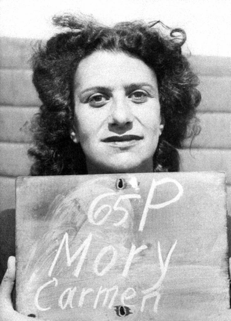 Carmen Mory już po aresztowaniu przez aliantów (domena publiczna).