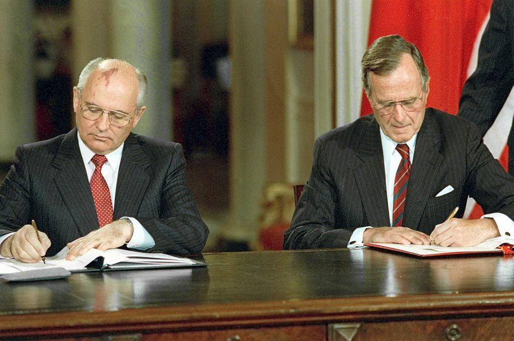 Michaił Gorbaczow i George Bush. 12 czerwca 1990 roku.