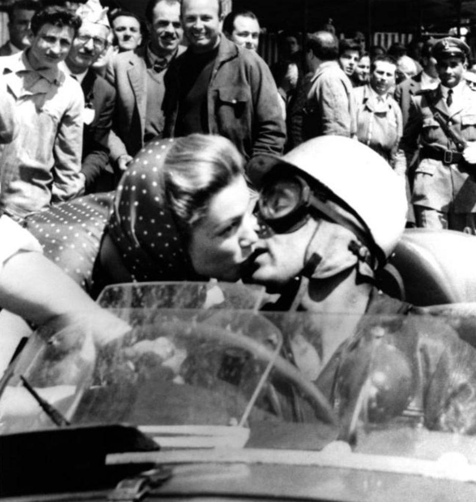 Pocałunek śmierci Lindy Christian (domena publiczna).