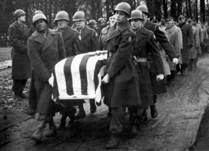 Pogrzeb generała Pattona (domena publiczna).