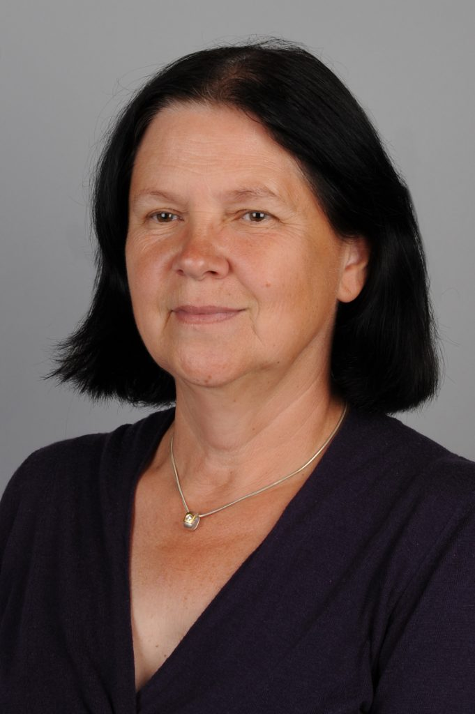 Anna Odi na fotografii Państwowego Muzeum Auschwitz-Birkenau.