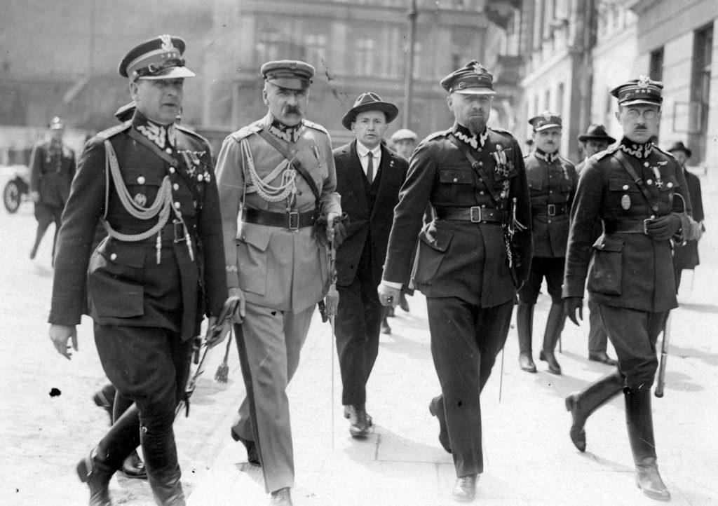 Czy Piłsudski był naprawdę gotów położyć na stole negocjacyjnym kwestię ustępstw terytorialnych? (domena publiczna).