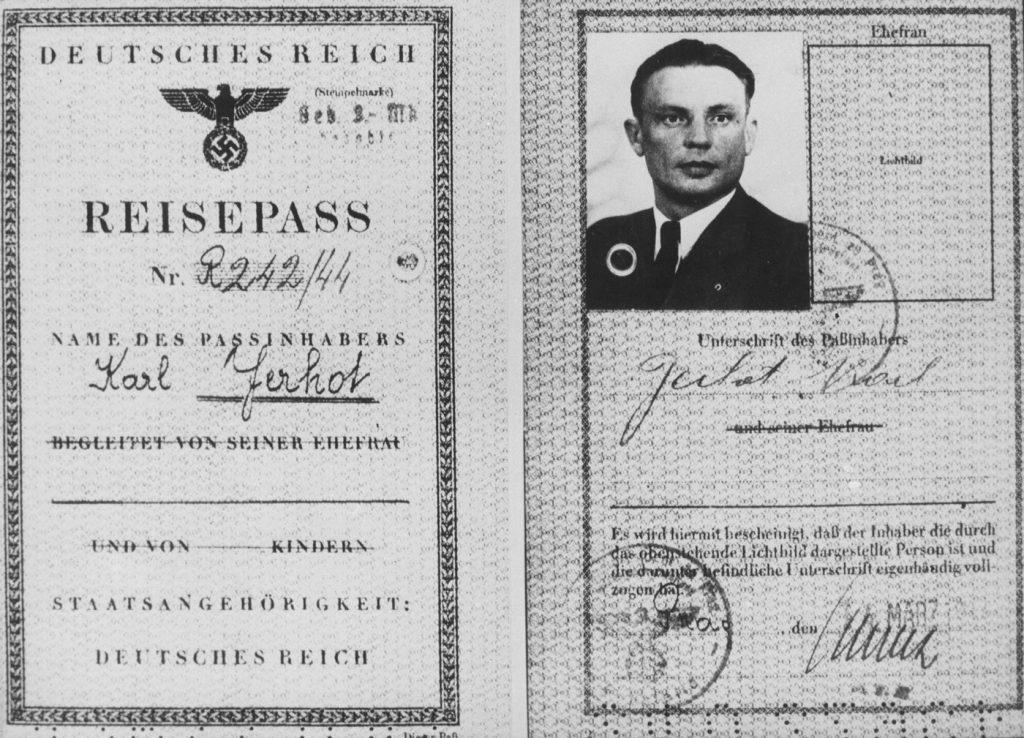 Dokument podróży dla Karla Čurdy wystawiony przez Niemcóe na fałszywe nazwisko Karl Jerhot. (archiwum Miloša Doležala/materiały prasowe).