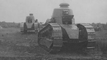 Lekkie czołgi Renault FT 17. Jeden z wielu przykładów francuskiego uzbrojenia na wyposażeniu Wojska Polskiego.