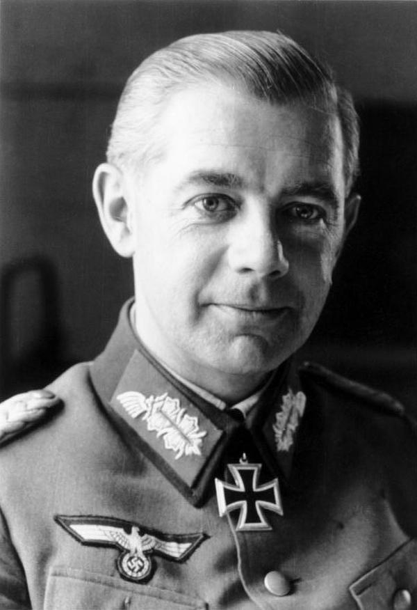 Generał Walter Wenck był ostatnią nadzieją Hitlera (Bundesarchiv,/Kunath Schneider/CC-BY-SA 3.0).