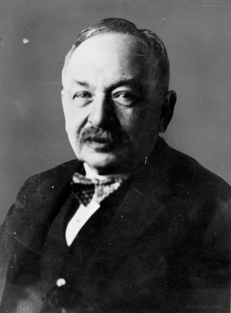 Herman Diamand na zdjęciu z końca lat 20. XX wieku (domena publiczna).