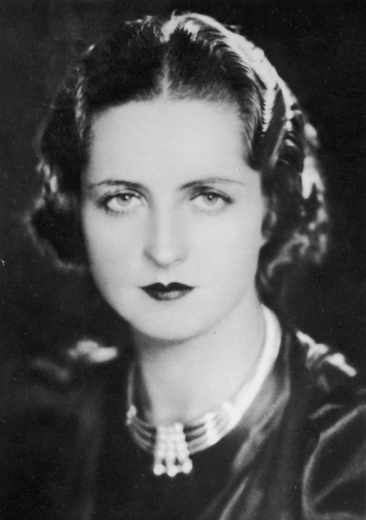 Jadwiga Smosarska w tytułowej roli w filmie Prokurator Alicja Horn z 1933 roku (domena publiczna).