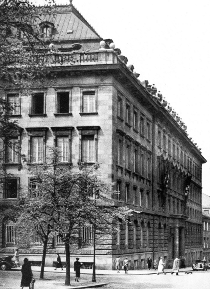 Pałac Petschki, to tam swoją siedzibę miało praskie gestapo. Zdjęcie z 1941 roku (domena publiczna),