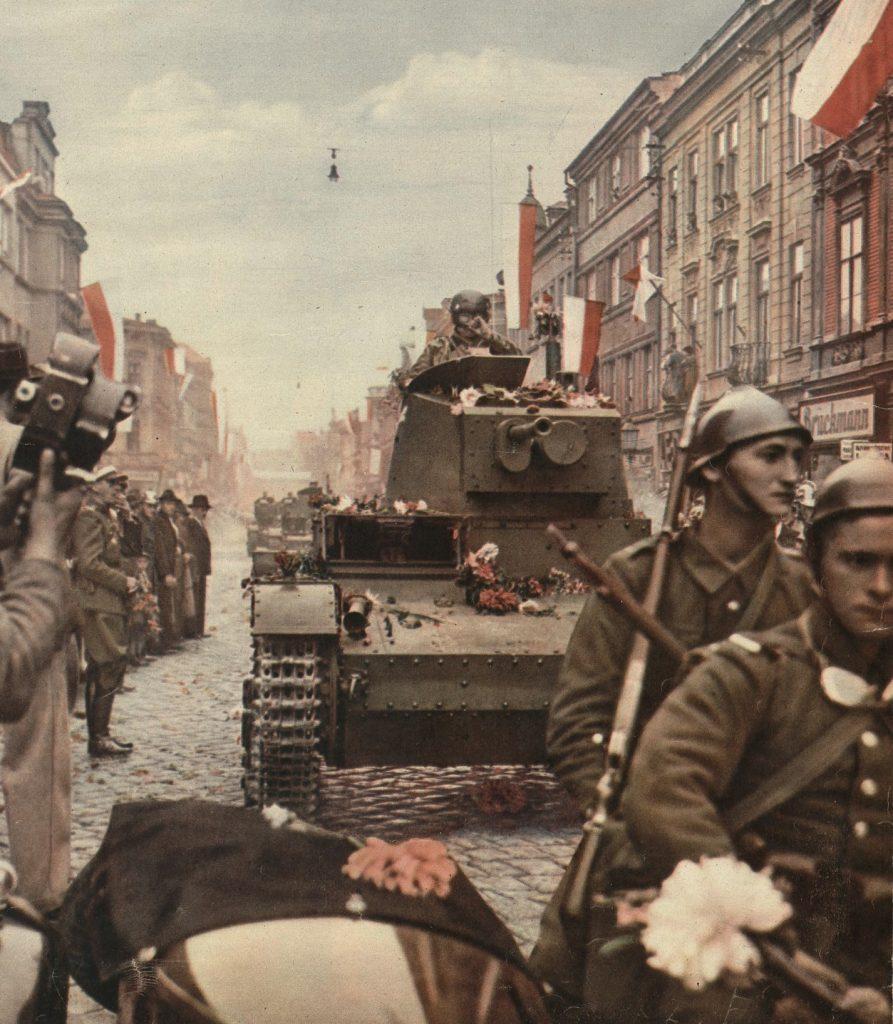 Polska wojska zajmujące w październiku 1938 roku Zaolzie (domena publiczna).