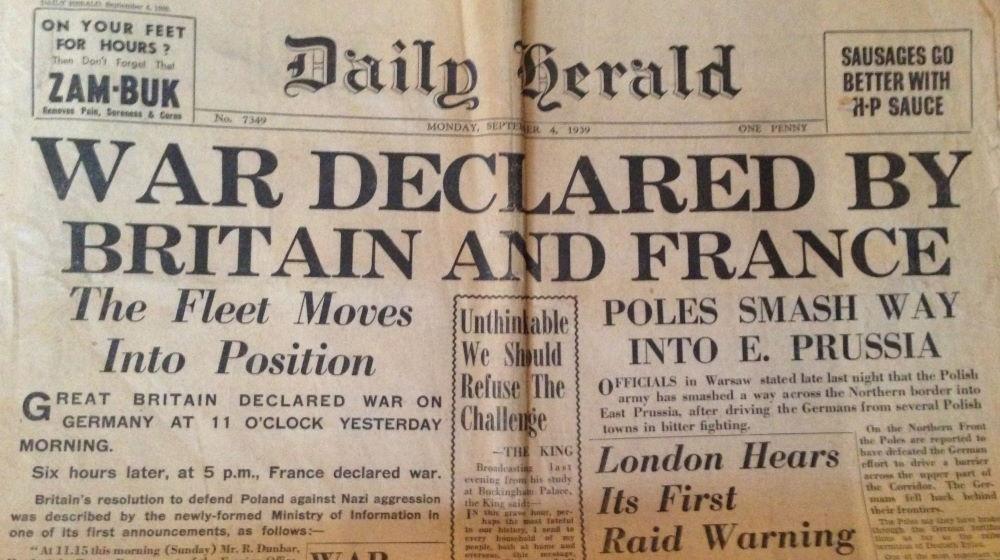 Wielka Brytania i Francja wypowiadają wojnę. Winieta prasowa z 4 września 1939 roku.
