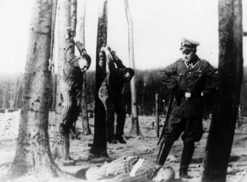 Więźniowie KL Buchenwald byli torturowani godzinami (domena publiczna).