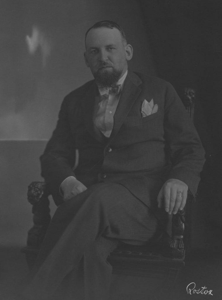 Aleksander Ładoś na zdjęciu wykonanym w okresie, gdy sprawował funkcję konsula generalnego w Monachium (domena publiczna).