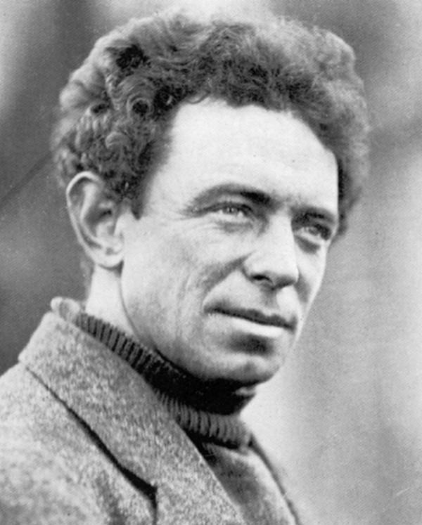 Frank Hurley na zdjęciu z około 1914 roku (domena publiczna).