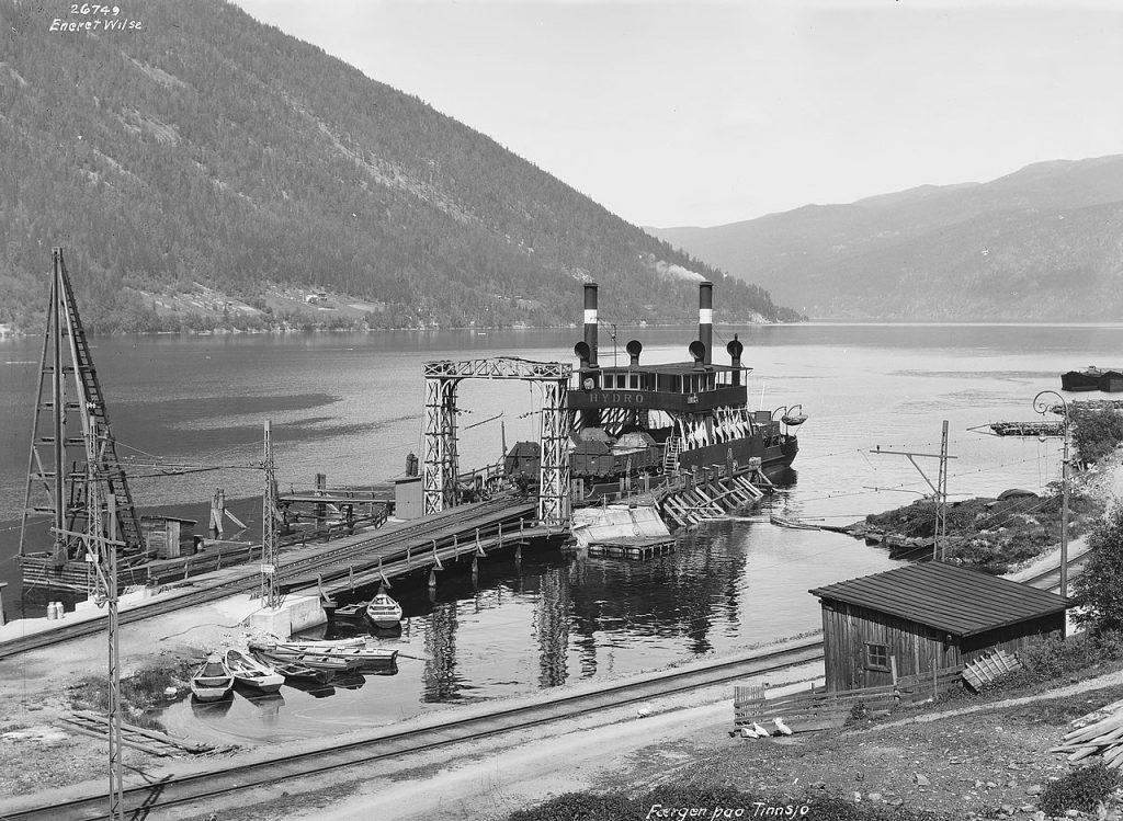 """Prom """"Hydro"""". To właśnie na jego pokładzie Niemcy transportowali ciężką wodę (Anders Beer Wilse/domena publiczna)."""
