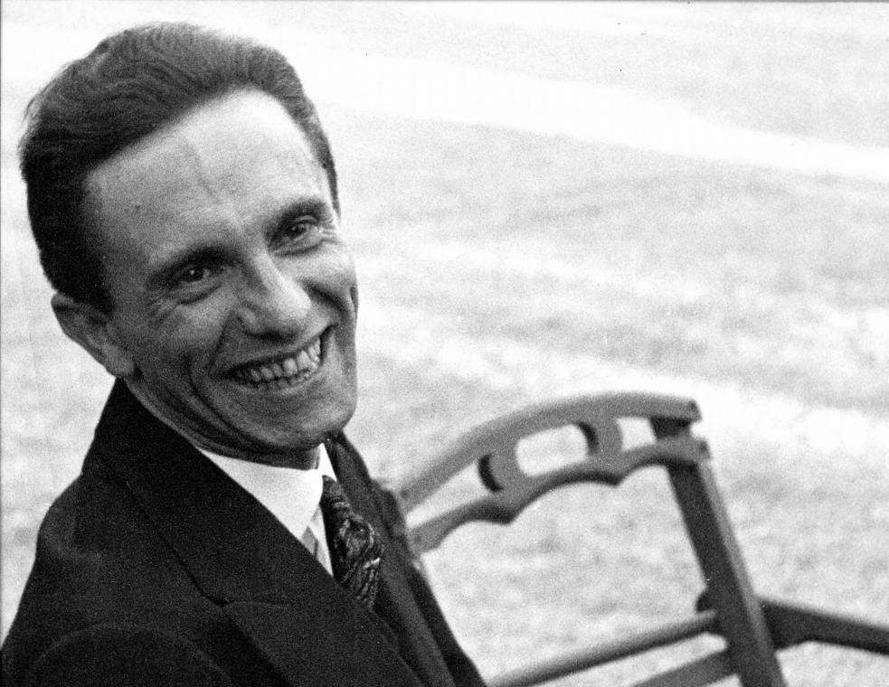 Roześmiany Joseph Goebbels