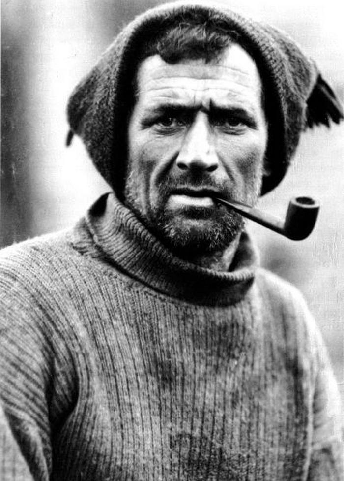 Tom Crean na zdjęciu z 1914 roku (Frank Hurley/domena publiczna).