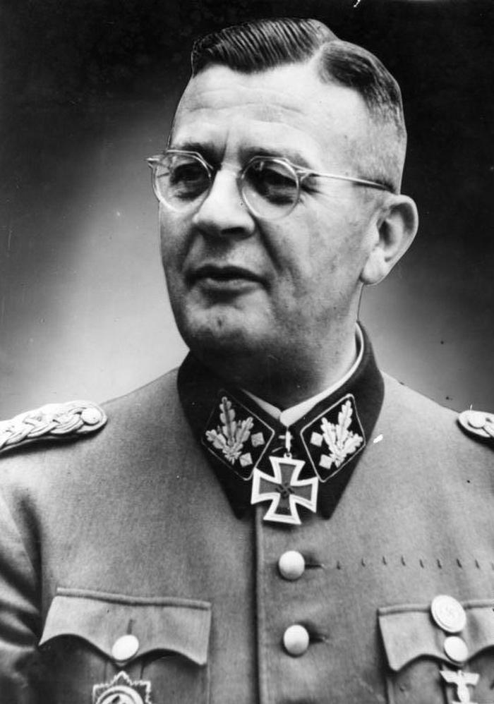 Według jednej z wersji rozkaz rozstrzelania Kamińskiego wydał osobiście Erich von dem Bach (Bundesarchiv/CC-BY-SA 3.0).