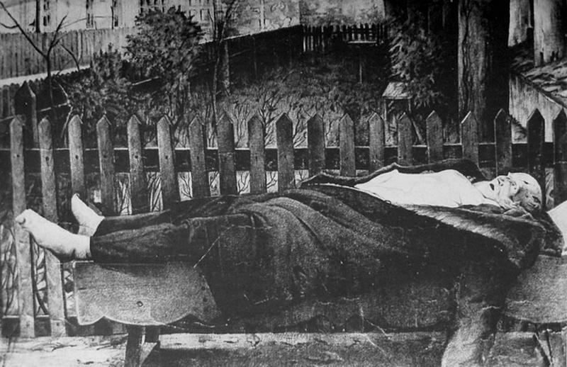 Ciało zamordowanego księcia Romana Sanguszki (domena publiczna).