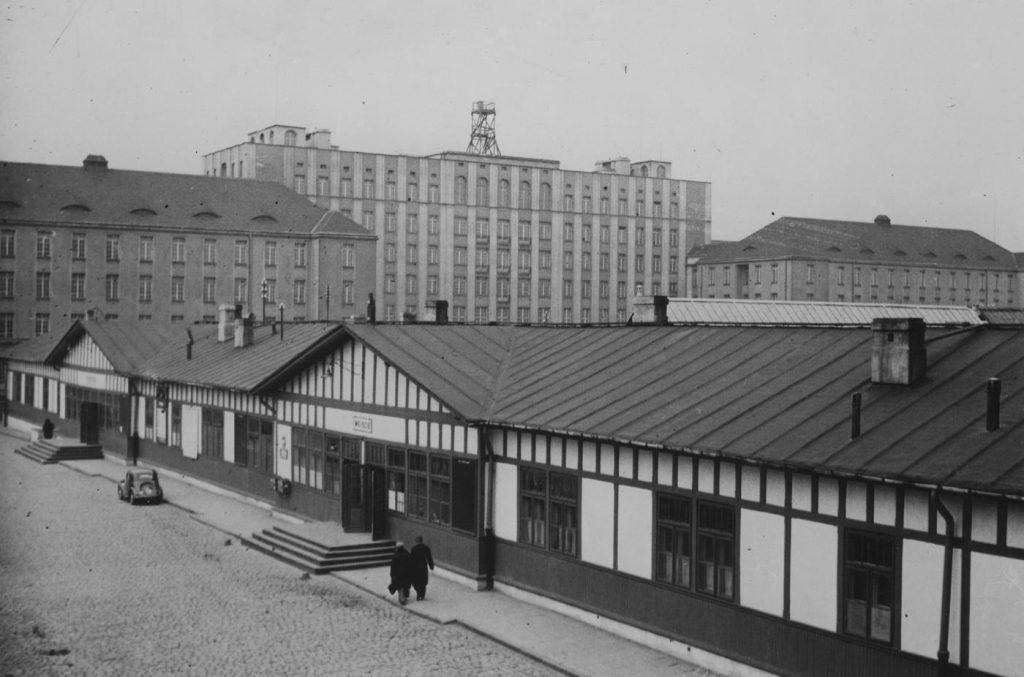 Dworzec Wileński na zdjęciu z 1939 roku (domena publiczna).
