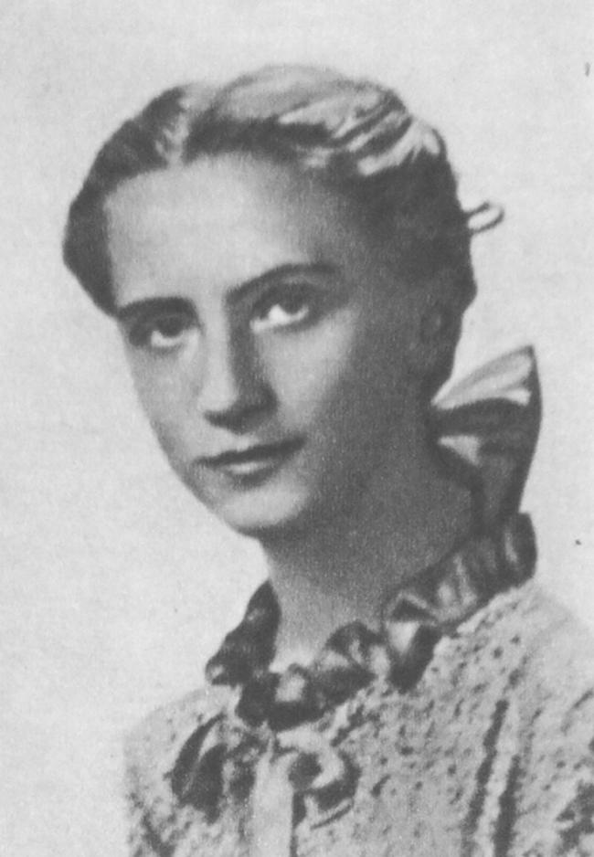 """Elżbieta Dziębowska """"Dewajtis"""" na zdjęciu z czasów okupacji (domena publiczna)."""