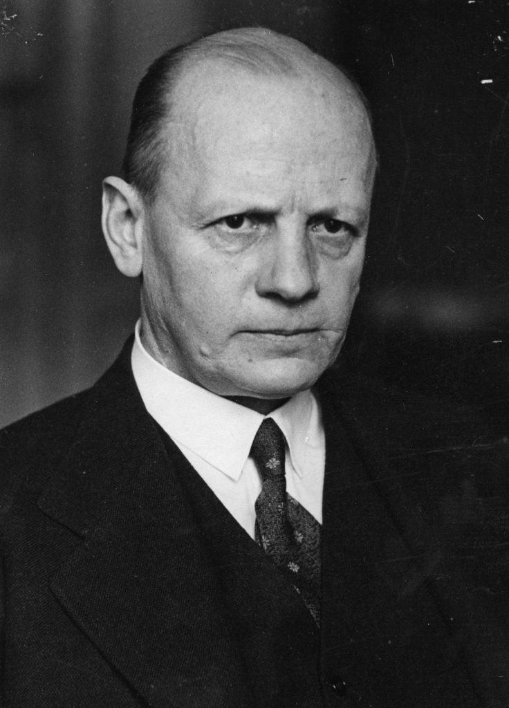 Niemiecki ambasador w Warszawie Adolf von Moltke (domena publiczna).