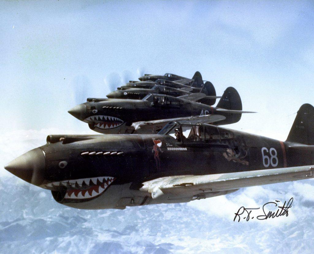 Samoloty Curtiss Tomahawk P-40 Latających Tygrysów (R.T. Smith/domena publiczna).