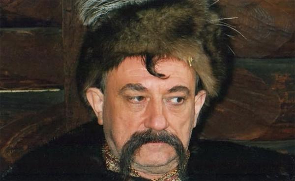 Bohdan Stupka jako Bohdan Chmielnicki.