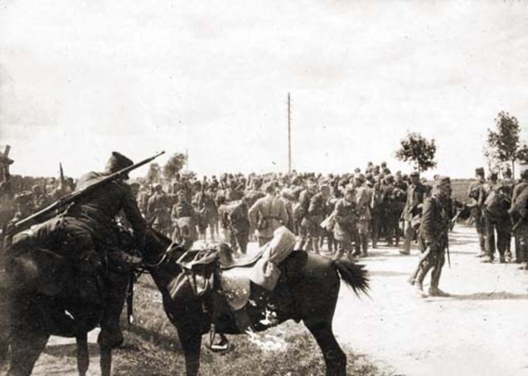 Odwrót 3 Armii spod Kijowa. Zdjęcie z czerwca 1920 roku (domena publiczna).