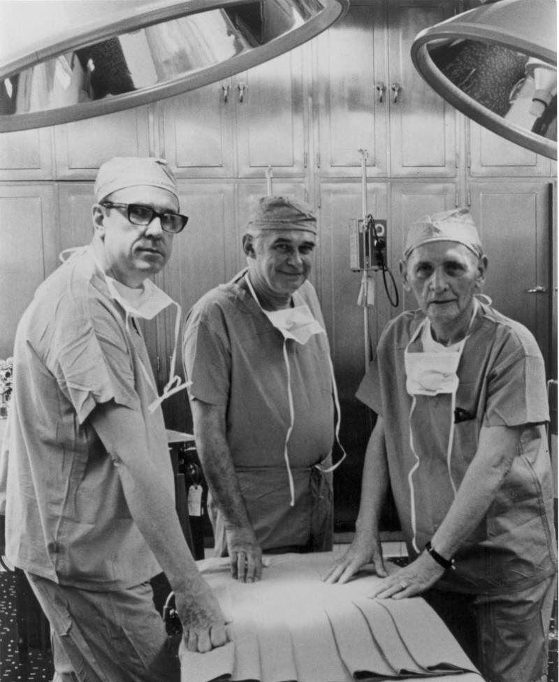 Pierwszy przeszczep nerki. Richard Lawler z zespołem.