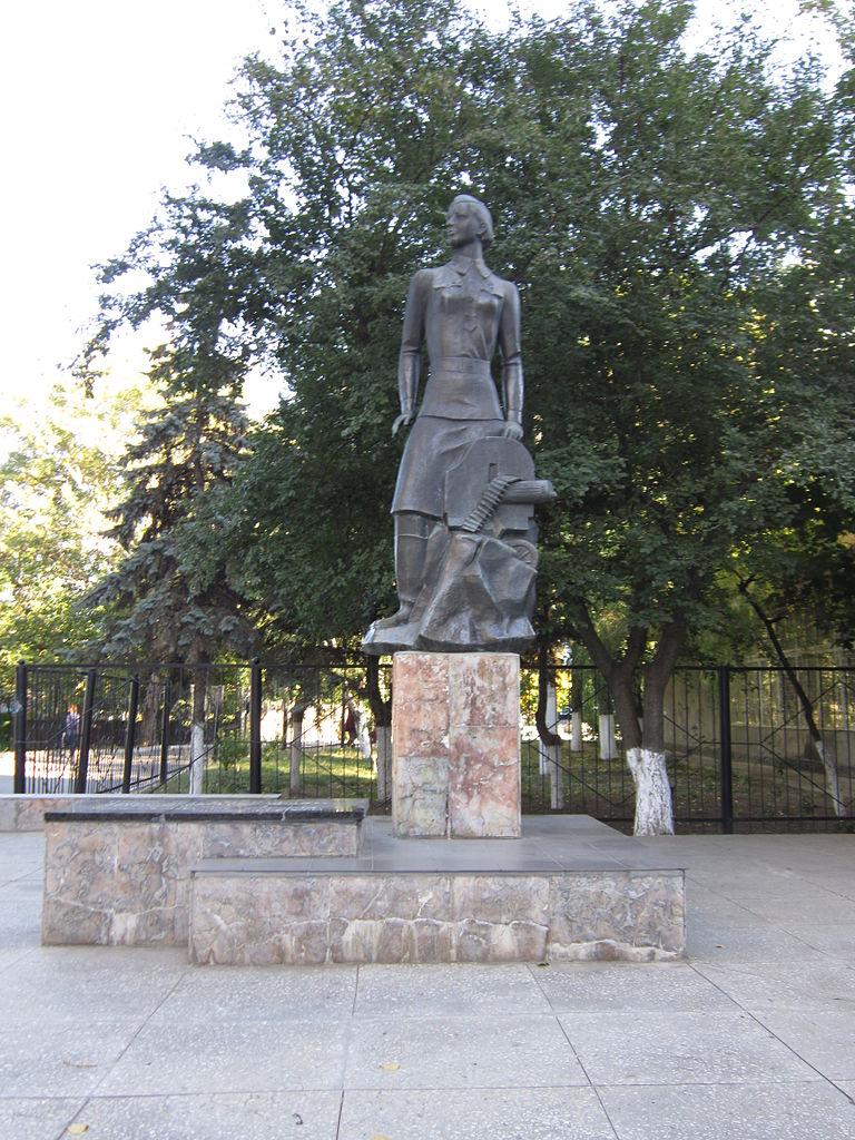 Pomnik Niny Oniłowej w Odessie (Dmitrij Żdanow/CC BY-SA 4.0).