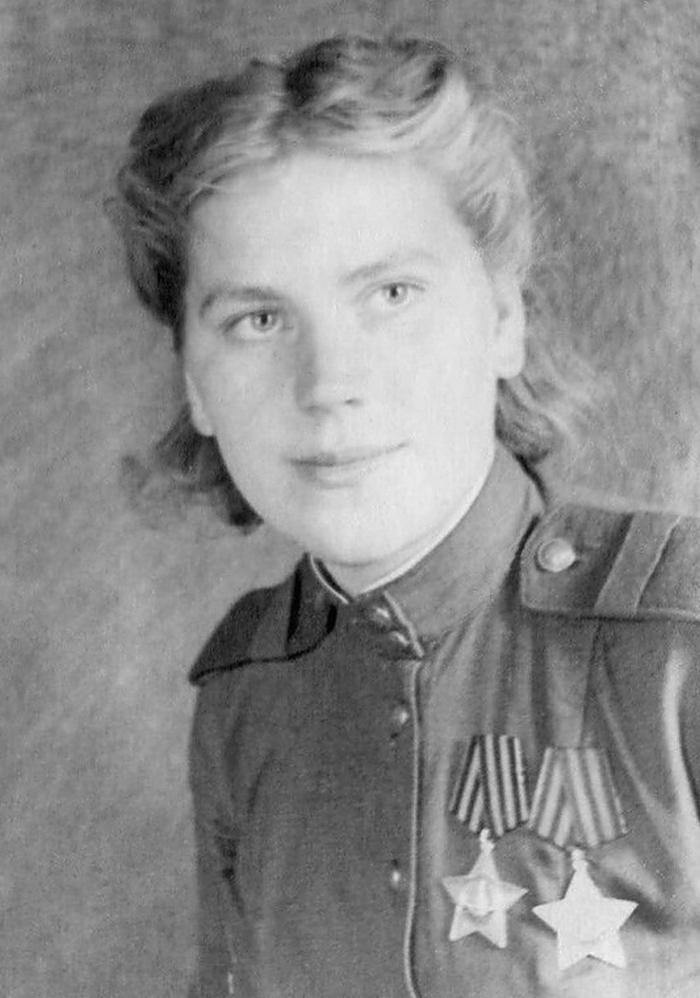 Roza Szanina na zdjęciu z 1944 roku (domena publiczna).