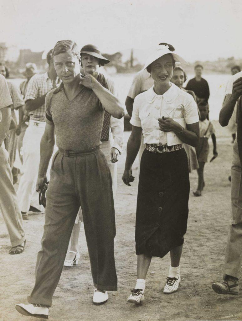 Edward VIII i Wallis Simpson podczas wakacji w Jugosławii. Sierpień 1936 (domena publiczna).