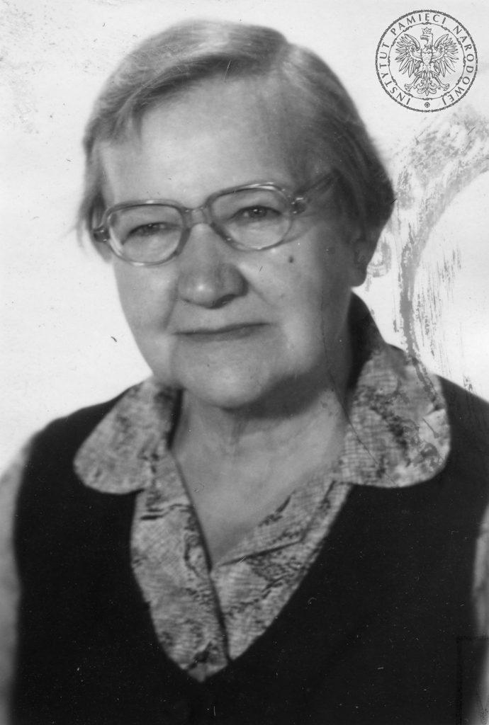 Elżbieta Zawacka w dzieciństwie nie poznała nawet języka polskiego. Tutaj na zdjęciu z 1983 roku (domena publiczna).