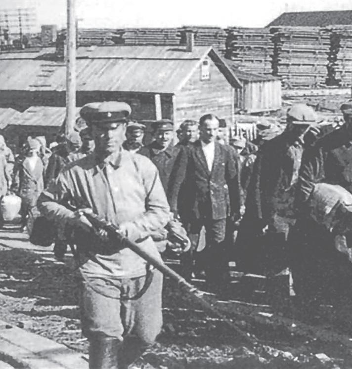 Kolumna zesłańców kierowanych do łagrów.