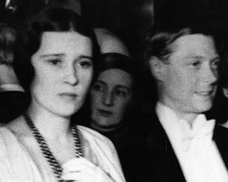 Książę Edward na zdjęciu wykonanym w 1932 roku (domena publiczna).