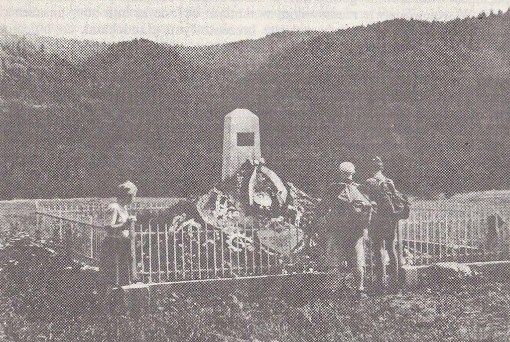 Pierwszy pomnik Karola Świerczewskiego w Jabłonkach (Tadeusz Dohnalik/domena publiczna).