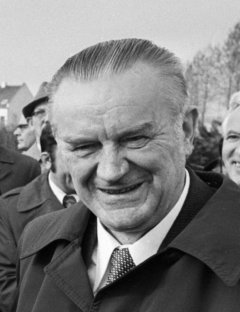 Piotr Jaroszewicz zginął w do dzisiaj niewyjaśnionych okolicznościach. Tutaj na zdjęciu z 1977 roku (Bert Verhoeffa/CC BY-SA 3.0 NL).